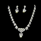 Crystal Flowers And Pearl Necklace And Earring Set