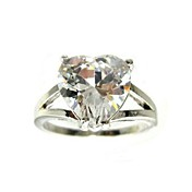 Amazing Cubic Zirconia Ring In Heart Shape(More Colors)