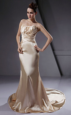 Trumpet / Mermaid Strapless Court Train Elastic Woven Satin Wedding Dress