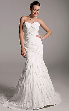 Tiered Trumpet/Mermaid Court Train Chiffon Wedding Dress with Ruffles