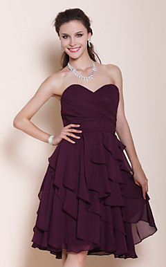 A-line Sweetheart Knee-length Tiered Chiffon Bridesmaid Dress