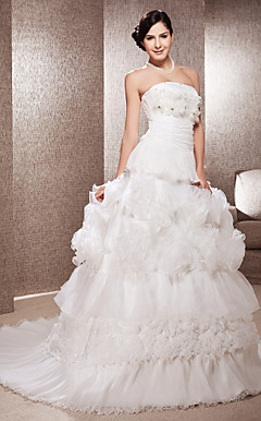 Elegant A-line Strapless Court Train Organza Wedding Dress