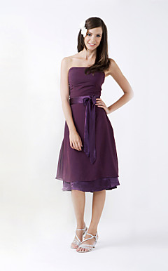 A-line Strapless Knee-length Chiffon Stretch Satin Bridesmaid/ Wedding Party Dress