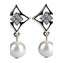 Cutout Rhombus Pearl Earrings